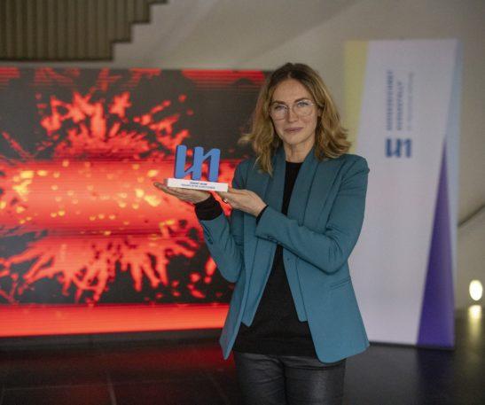 Direktorin und Kuratorin Franziska Nori mit dem Dr. Marschner Ausstellungspreis